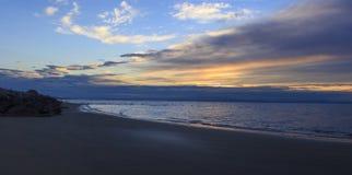 Zonsopgang, strand, Bibione, Italië royalty-vrije stock afbeelding