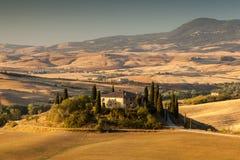 Zonsopgang in Toscaans platteland, Italië Royalty-vrije Stock Foto