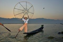 Zonsopgang van de Fishman de netto Kano stock foto