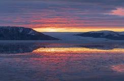 Zonsopgang van de kust van Groenland Stock Afbeelding
