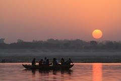 Zonsopgang in Varanasi stock foto's