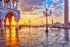 Zonsopgang in Venetië stock fotografie