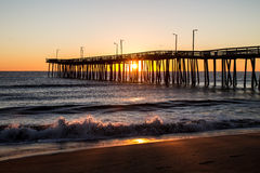 Zonsopgang Virginia Beach Fishing Pier Stock Afbeeldingen