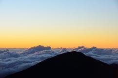 Zonsopgangscène van Haleakala-vulkaan, Maui, Hawaï Stock Foto