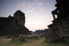Zonstijging van Angkor Wat in de ochtend, Kambodja Royalty-vrije Stock Afbeelding
