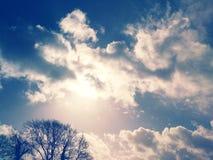 Zonwolken royalty-vrije stock afbeelding