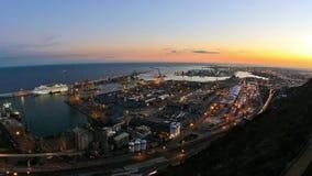 Zoom di lasso di tempo del cantiere navale di Barcellona stock footage