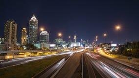 Zoom för Atlanta CityscapeTid schackningsperiod arkivfilmer