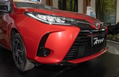 Zoom Front Right Toyota Yaris Ativ 2020 Car in Car Showroom