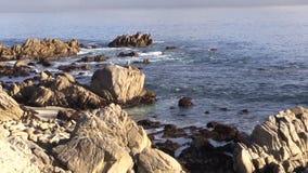 Zoom scenico della costa di California fuori stock footage