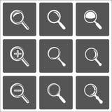 Zoom- und Vergrößerungsglaszeichen Stockbilder