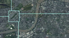Zoomeffekt för satellit- bevakning in i London, England royaltyfri illustrationer