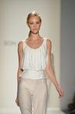 Zoon Bleke Jung - de Modeshow van New York Stock Fotografie