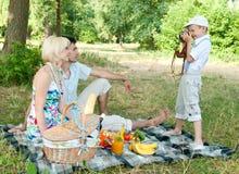Zoon van foto's van oudersmamma en papa. Royalty-vrije Stock Afbeelding