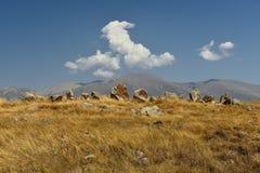 Zorats Karer ou Karahunj perto de Sisian, Armênia imagens de stock royalty free