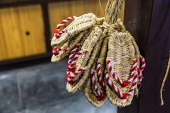 Zori - sandálias japonesas tradicionais feitas da palha do arroz Fotografia de Stock