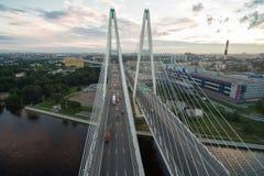 Zostający bridżowy przez Neva rzekę Fotografia Royalty Free