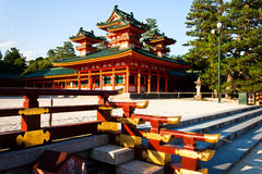 Elegancka i wspaniała Jingu świątynia przy Heian pałac Kyoto, Japonia Zdjęcia Royalty Free