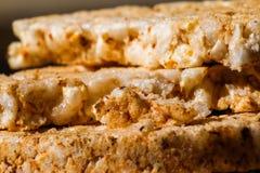 Zoute galettes van rijstcrackers met kruiden royalty-vrije stock foto's