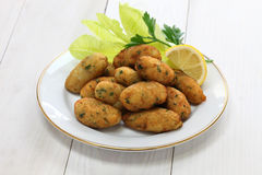 Zoute kabeljauw (bacalhau, bacalao) fritters, croquetten Stock Afbeelding