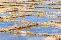 Zoute pannen dichtbij Qbajjar in Gozo, Malta. royalty-vrije stock foto