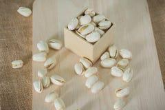 Zoute pistachesnoten stock foto's