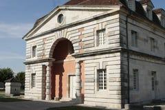 Zoute Royale in Boog et Senans De historische die bouw door Claude-Nicolas Ledoux-architect, in Boog et Senas Frankrijk wordt gem royalty-vrije stock fotografie