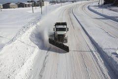 Zoute vrachtwagen/sneeuwploeg Stock Foto's