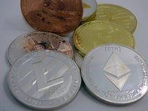 Zróżnicowani cryptocurrencies obrazy stock