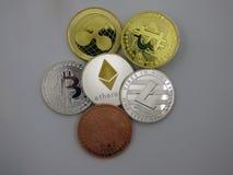 Zróżnicowani wirtualni monet cryptocurrencies zdjęcia stock