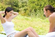 zrób kilka ćwiczeń fizycznych fitness Fotografia Royalty Free