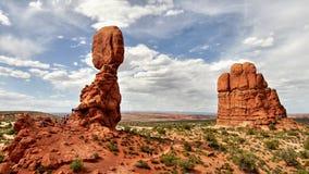 Zrównoważona skała - łuku park narodowy Zdjęcia Stock
