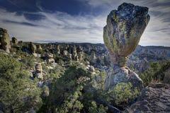 Zrównoważona skała w Chiricahua Krajowym zabytku obraz royalty free