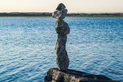 zrównoważyć skał obraz stock