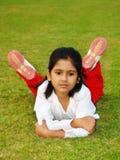 Zrelaksowana dziewczyna zdjęcia stock
