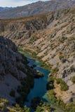 Zrmanja-Schlucht, Fluss zrmanja in Zadar-Grafschaft, Dalmatien, Kroatien lizenzfreie stockfotografie