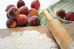 zrobić ciasto brzoskwiniowe Fotografia Stock