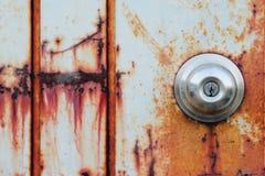 Zrudziały drzwi obrazy stock