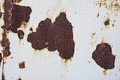Zrudziały tekstury tło na starej białej farbie obrazy stock