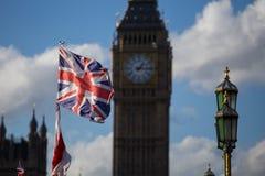 Zrzeszeniowej dźwigarki Big Ben i flaga Obrazy Stock