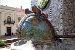 Zsolnay在大广场制造了在一个喷泉的雕塑在佩奇匈牙利 图库摄影
