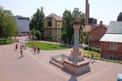 Zsolnay a conçu la cheminée au nouveau centre de Zsolnay à Pecs Hongrie photographie stock libre de droits