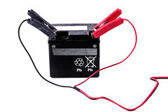 Zu die Batterie mit einem Ladegerät neuladen Stockbild