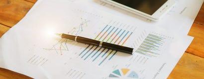 Zu importieren und zu exportieren Steuerzahler ` s Schreibtisch- und Verbrauchsteuerdokumente stockfotografie