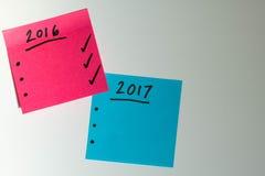Zu Liste für das neue Jahr im Rosa und im Blau tun Stockfoto