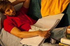 Zu schläfrig für das Lernen Stockfoto