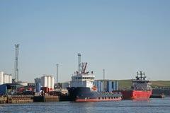 Zubehör-Behälter im Aberdeen-Hafen Stockbilder