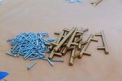 Zubehör Für Küchenmöbel Griffe Für Küchenschränke Stockbild   Bild Von  Frontseite, Schränke: 113321357