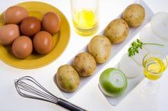 Zubereitung des Omeletts Lizenzfreie Stockbilder