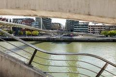 Zubizuri桥梁在毕尔巴鄂 免版税库存图片